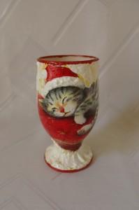 Kielich z kotem z obwódką czerwoną 1