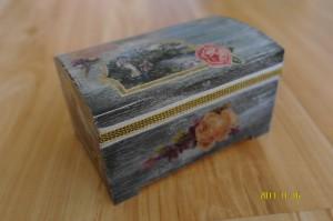 Romantyczna szkatułka szara 1